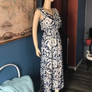 Dresses & Skirts - Unbranded maxi dress 1/2 lined M